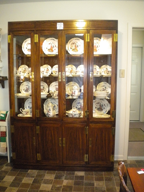 Fine china display case